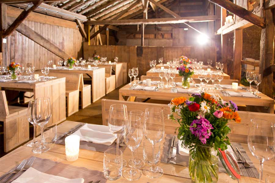 Modern Diner Sitzgruppen : Tables & seating groups catalogna cologne catering germany